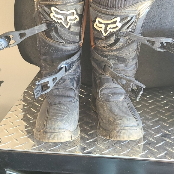 Youth Size 4 Fox Comp 3 Riding Boots